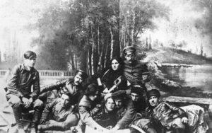 Н. И. Махно среди командиров повстанцев. 1919 год. Бердянск.